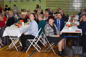 Dzieci z Marzęcic podziękowały kochanym babciom i dziadkom