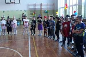 Bal karnawałowy w szkole w Marzęcicach