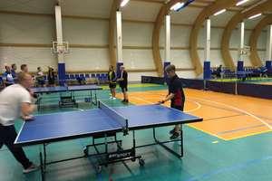 Ruszyły rozgrywki amatorskiej ligi tenisa stołowego. Jedenaście drużyn myśli o tytule