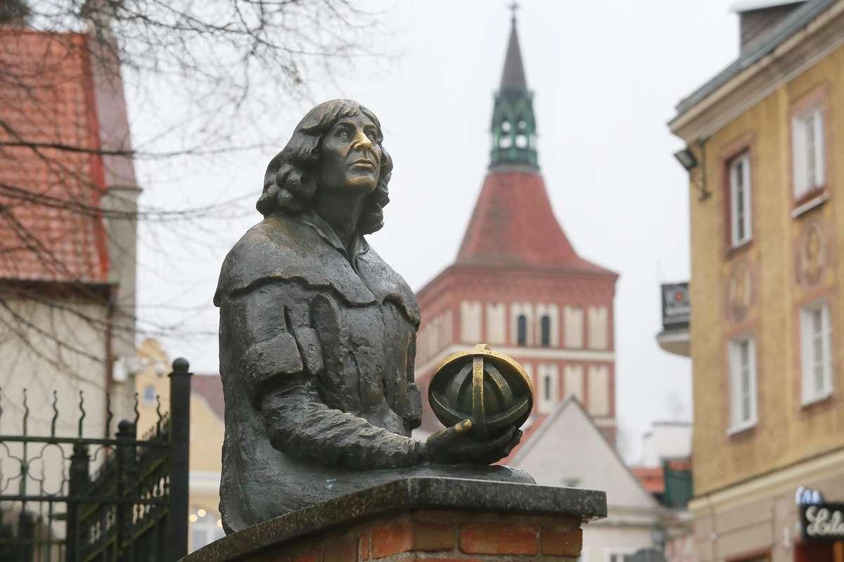Pomnik Kopernika - full image