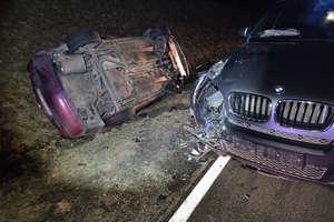 Zderzenie czterech aut. 6 osób zostało rannych, w tym dwójka dzieci [ZDJĘCIA, VIDEO]