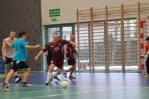 W Bezledach pięć drużyn gra w piłkę o puchar wójta gminy Bartoszyce