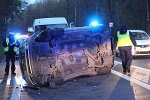 Cztery samochody zderzyły się na DK65. Sześć osób jest rannych w tym jedna ciężko [VIDEO]