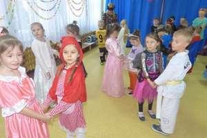 Lutowe zabawy karnawałowe dzieci z Przedszkola Miejskiego