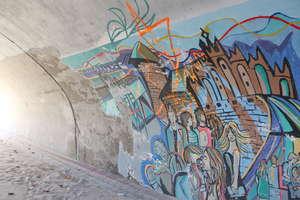 Wracamy do tematu: Dlaczego z przejścia pod torami zniknął piękny mural?