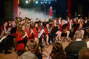 Czapki z głów. Noworoczny koncert lubawskiej orkiestry. GALERIA.