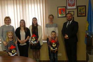 Laureaci konkursu  plastycznego ,, Zapobiegajmy pożarom'' z Gminy Małdyty