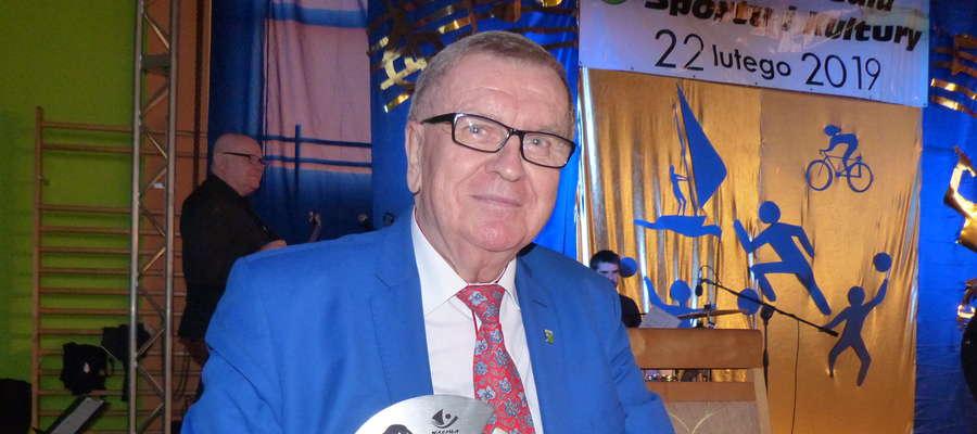 Współprowadzący galę Zdzisław Patoła także odebrał statuetkę, za wspieranie sportu na terenie gminy Iława. Statuetka jak najbardziej zasłużona