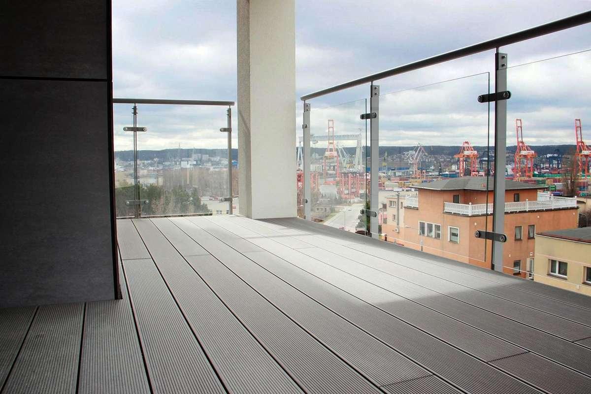 Balkon - full image