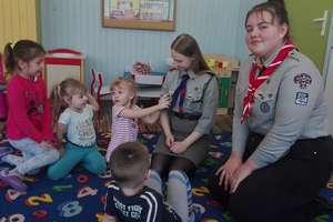 Harcerki odwiedziły Punkt Przedszkolny w Bezledach
