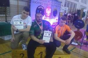 Siła na mistrzostwach Polski GPC w trójboju: medale i rekordowe podejścia