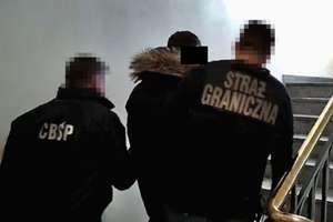 Wspólna akcja policjantów CBŚP z Olsztyna i Straży Granicznej. Rozbili  zorganizowaną grupę przestępczą