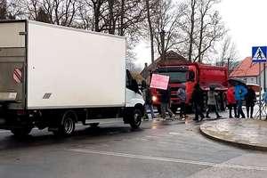 Uwaga! Mieszkańcy blokują DK 65