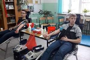 Uczniowie ZSZ w Iłowie ponownie oddali krew