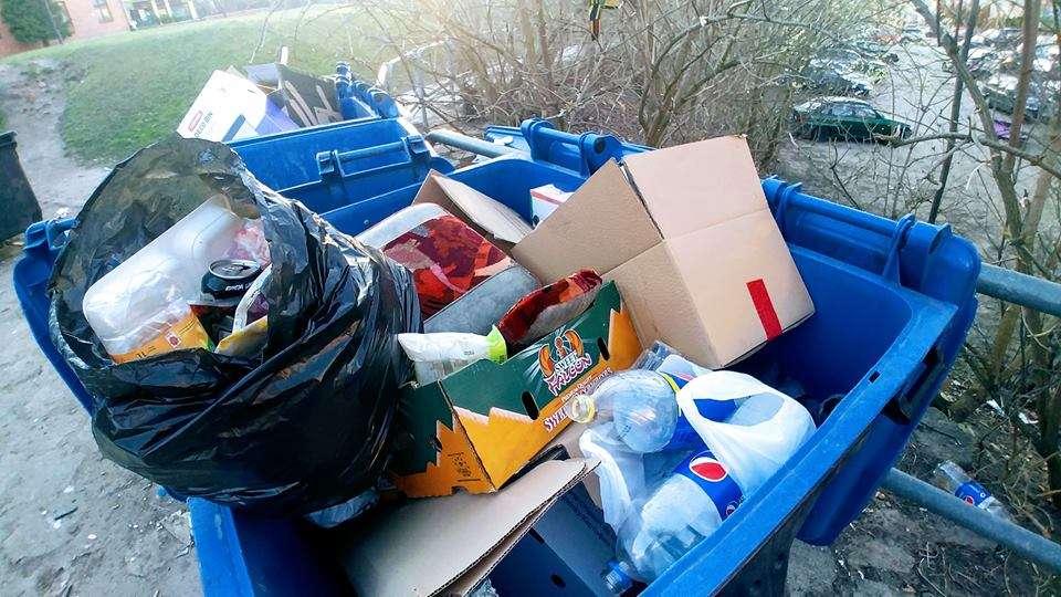 Segregacja śmieci na ul. Nowowiejskiego
