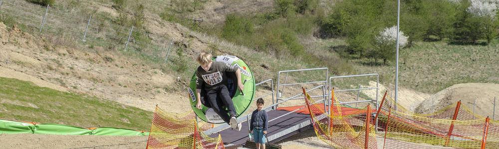 Skocznia Tubby Jump to prawdziwa frajda nie tylko dla najmłodszych