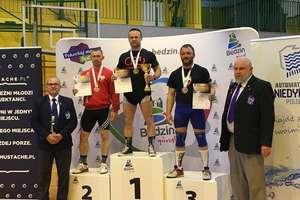 Strażak z Bartoszyc mistrzem Polski weteranów w trójboju siłowym