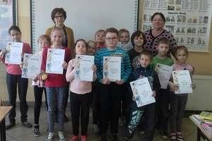 Konkurs recytatorski w szkole w Ostrowitem