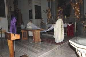 Msza Wieczerzy Pańskiej w kościele w Bisztynku
