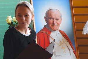 Jan Paweł II od dwudziestu lat patronuje szkole w Łąkorzu