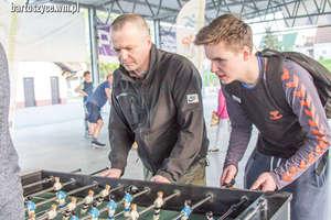 Propozycja na majówkę: coroczny turniej piłkarzyków na terenie bartoszyckiego lodowiska