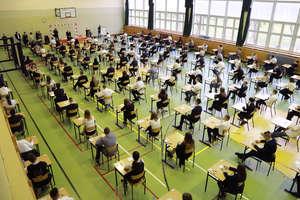 Dzisiaj uczniowie mają pisać egzamin gimnazjalny. Czy się odbędzie?