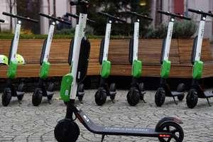 Hulajnogą elektryczną wolniej i po ścieżce rowerowej