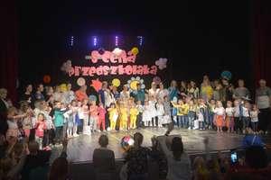 Przedszkolaki na scenie [ZDJĘCIA]