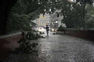 Silny wiatr, deszcz, a nawet burze. IMGW wydał ostrzeżenie dla Warmii i Mazur