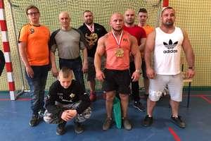 Mocna ekipa Siły startowała w mistrzostwach gminy Szczytno w wyciskaniu sztangi