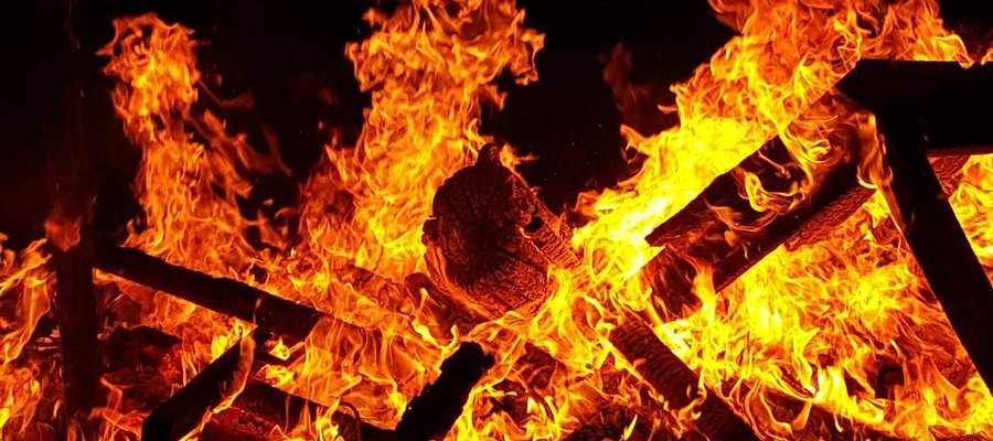 PILNE. Chciał spalić się żywcem. Próba samobójcza w Suszu
