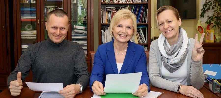 Jesteśmy im ogromnie wdzięczni za pomoc. Pani senator bardzo nam pomogła — mówią pani Iwona i pan Bogusław