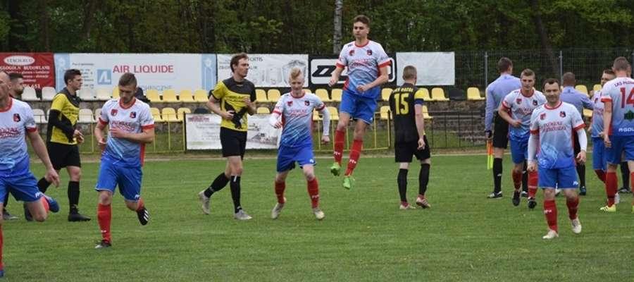 Płomień Turznica trzy punkty zdobył na boisku w Janowie Kościelnym