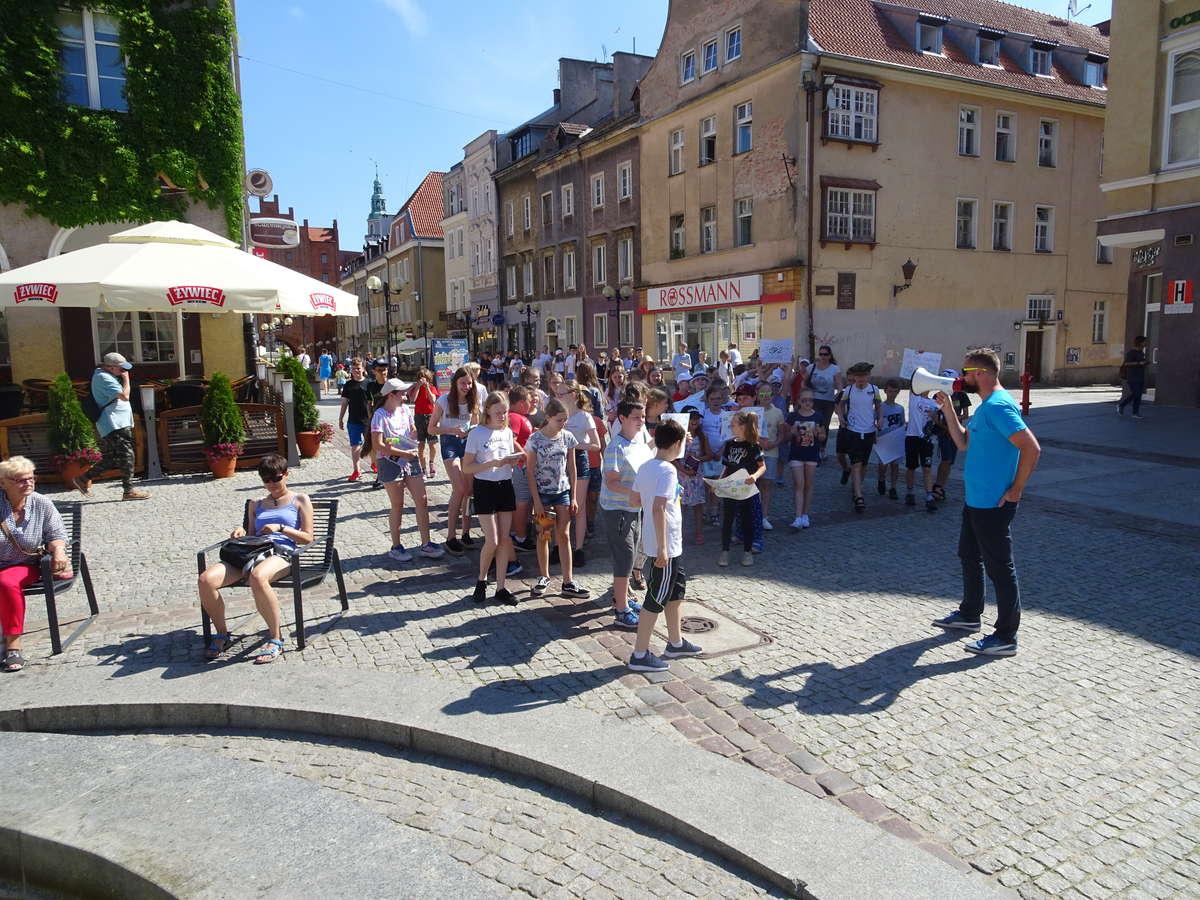 Olsztyńską starówkę opanowali czytelnicy
