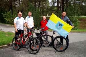 Weterani dotarli do Rzeszowa na rowerach