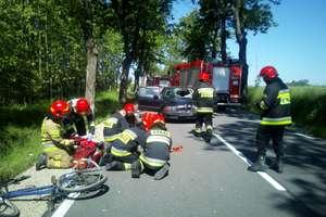 Zderzenie rowerzysty z samochodem osobowym