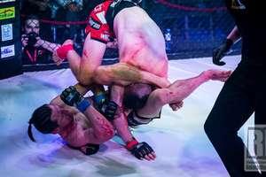 MMA|| Wspaniałe zwycięstwo Patryka Duńskiego! Trójkąt, kopnięcia z pięty i Maciej Kaliciński pokonany [ZDJĘCIA, WIDEO]