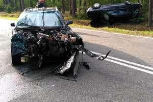 Zderzenie trzech aut. Kierowca z urazem głowy trafił do szpitala