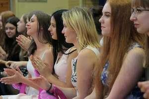 Absolwenci dwóch roczników pożegnali szkołę w Bisztynku