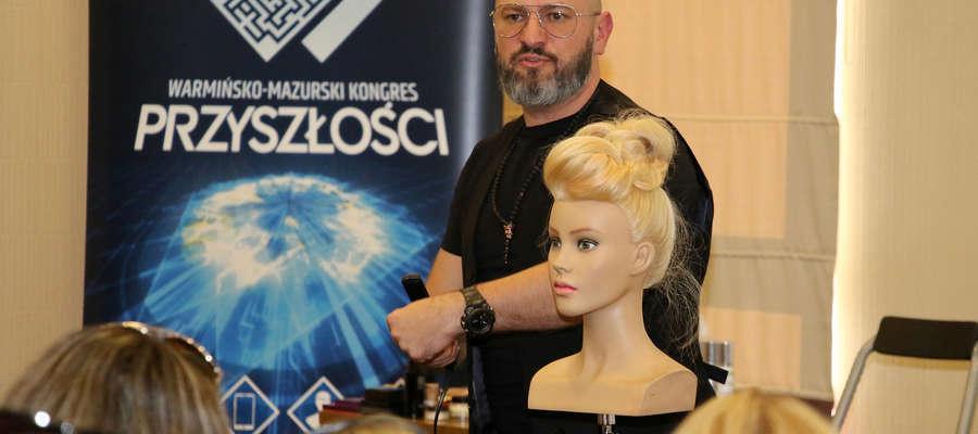 Marek Bogdziewicz na spotkaniu Bez Gorsetu w Olsztynie udowadniał, że piękno zaczyna się od głowy