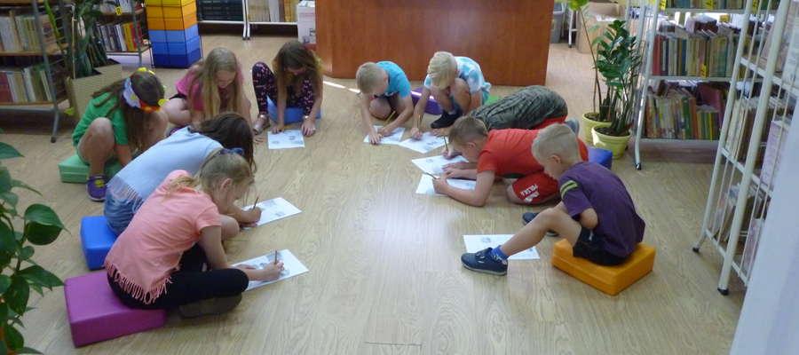 Uczniowie spędzili noc w gminnej bibliotece