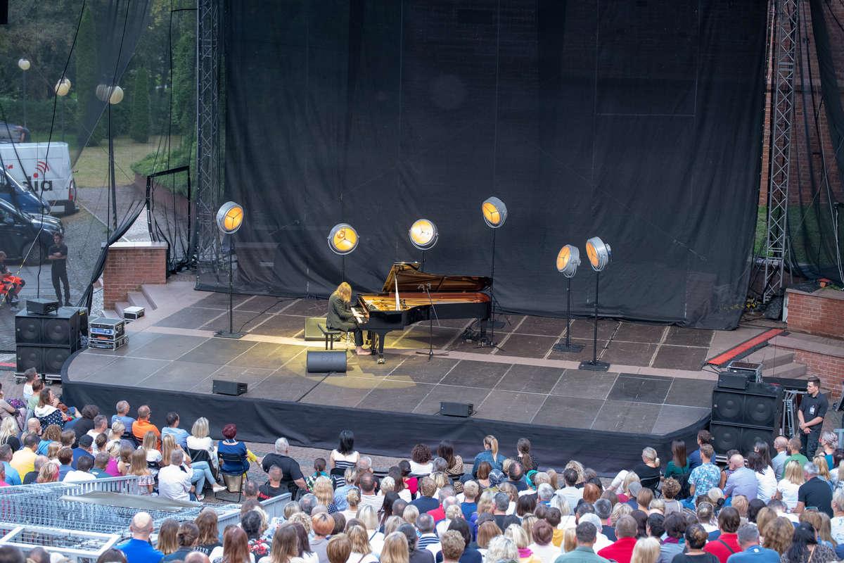 Niedzielny koncert w Amfiteatrze  - full image