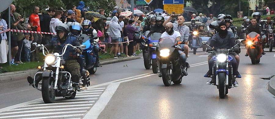 Giżycka parada motocyklistów w 2017 r. - full image
