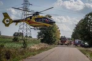 Wypadek pod Mikołajkami. Kobieta zabrana śmigłowcem do szpitala