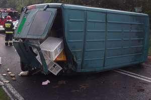 Wypadek w Kurzętniku - dachował samochód dostawczy