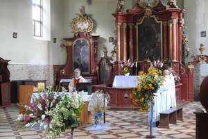 Pielgrzymowali do kościoła w Tłokowie, postawionego w szczerym polu