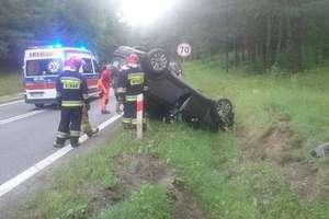 Samochód dachował na DK 16 pod Ostródą, droga jest już odblokowana