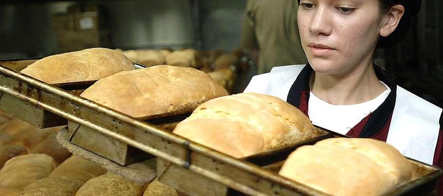 U nas za najniższą krajową kupimy 865 bochenków chleba.