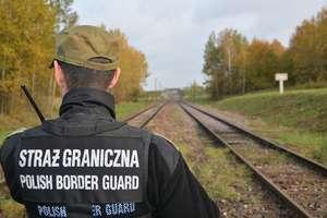 66-letni mężczyzna wybrał się na grzyby i zabłądził. Po długiej wędrówce trafił do Rosji