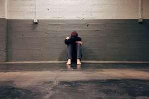 Konsekwencje przemocy domowej — felieton Danuty Górny